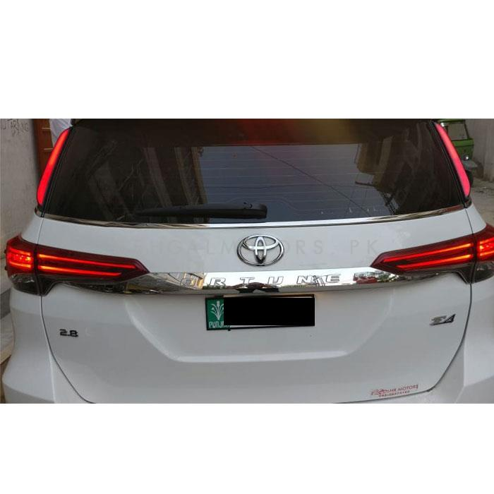 Toyota Fortuner Trunk Arm Light Smoke Style - Model 2016-2019-SehgalMotors.Pk