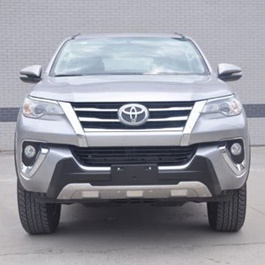 Toyota Fortuner Reflector Style Body Kit - Model 2016-2017-SehgalMotors.Pk
