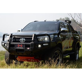 Toyota Hilux Revo Hamer Front Bull Bar Version 2 - Model 2017-2020-SehgalMotors.Pk
